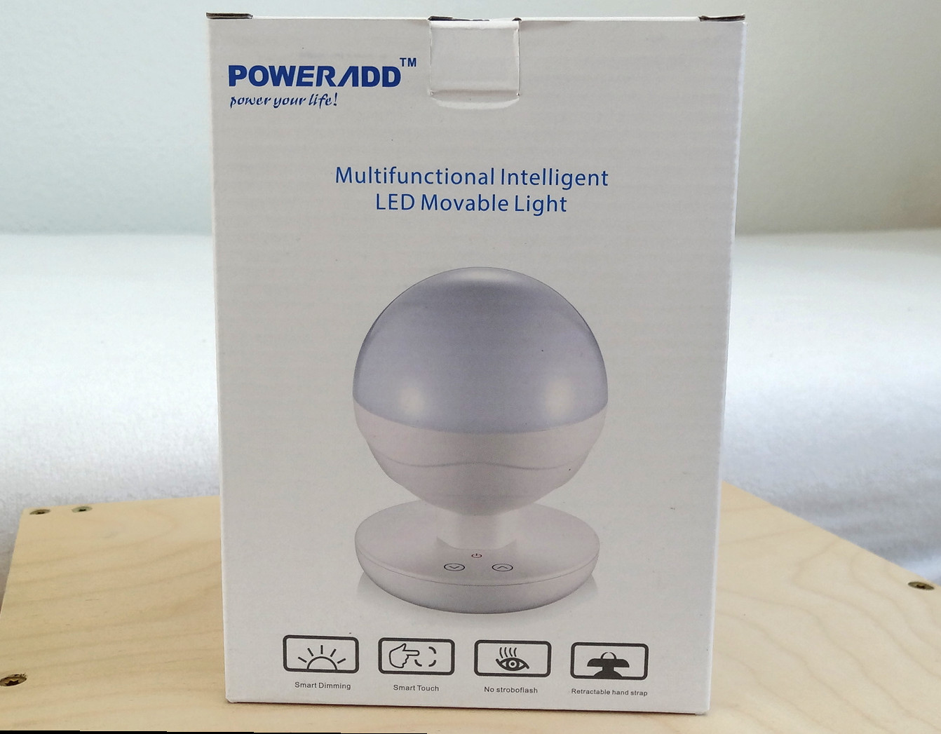 Poweradd – tragbare LED-Lampe mit Smart Touch