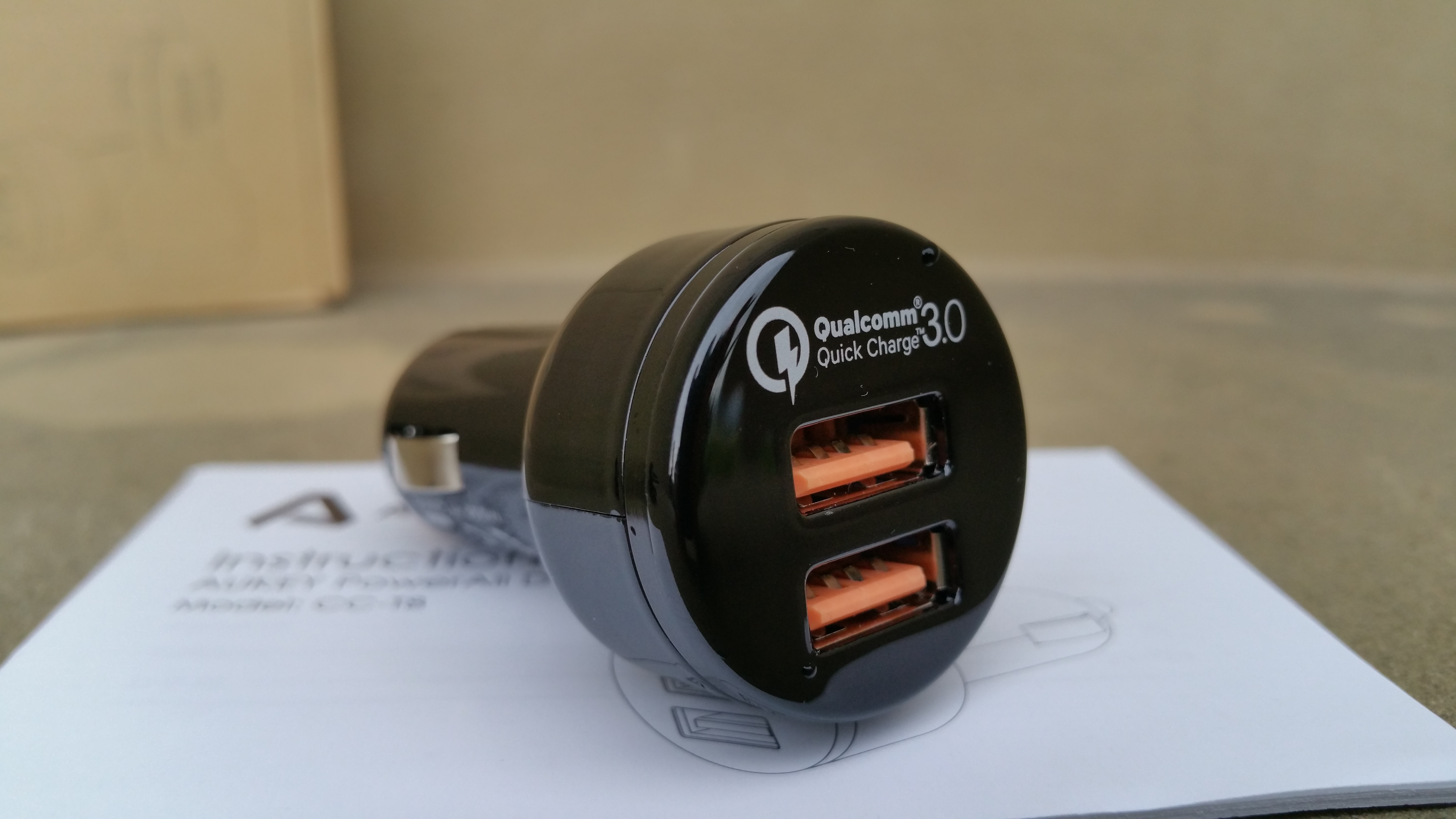 aukey quick charge 3 0 kfz ladeger t mit powerall. Black Bedroom Furniture Sets. Home Design Ideas
